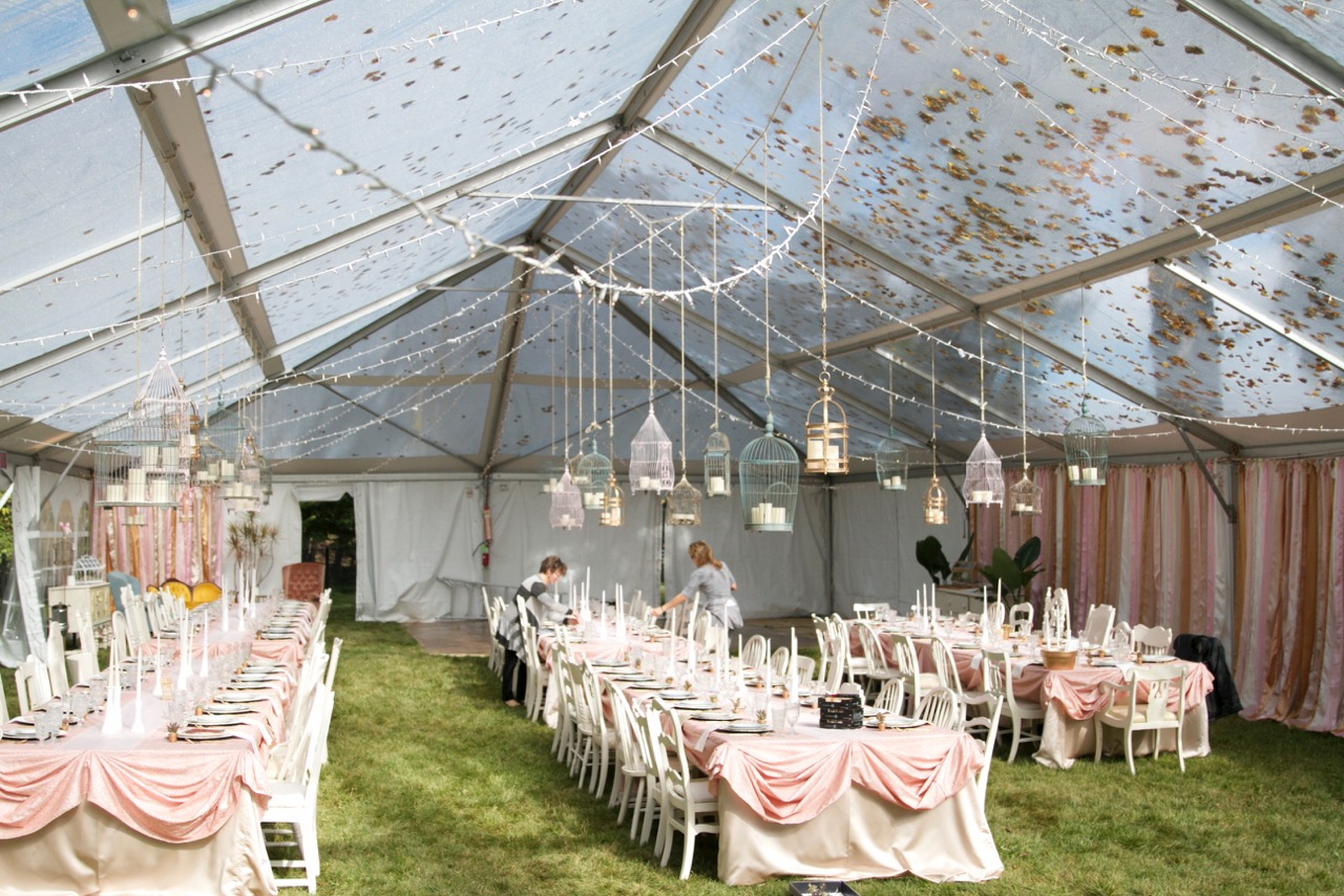 How big should your wedding tent be