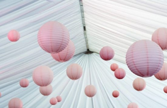 Decorating your wedding tent